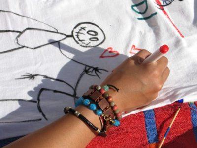 Narysuj/namaluj swój projekt na koszulce