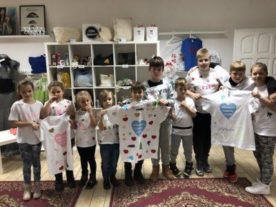 Koszulki wykonane przez dzieci przekażemy na WOŚP